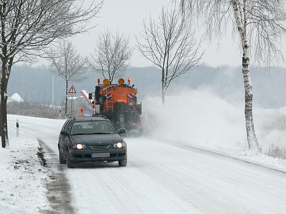 Während Deutschland noch im Schnee versinkt, müssen Pressesprecher und PR-Verantwortliche bereits die Frühlings- und Sommerthemen vorbereiten. (Foto: Markus Burgdorf/Avandy)